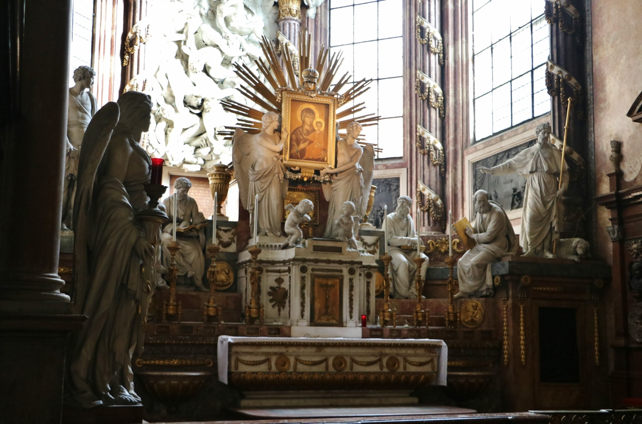 Guided tours of the church