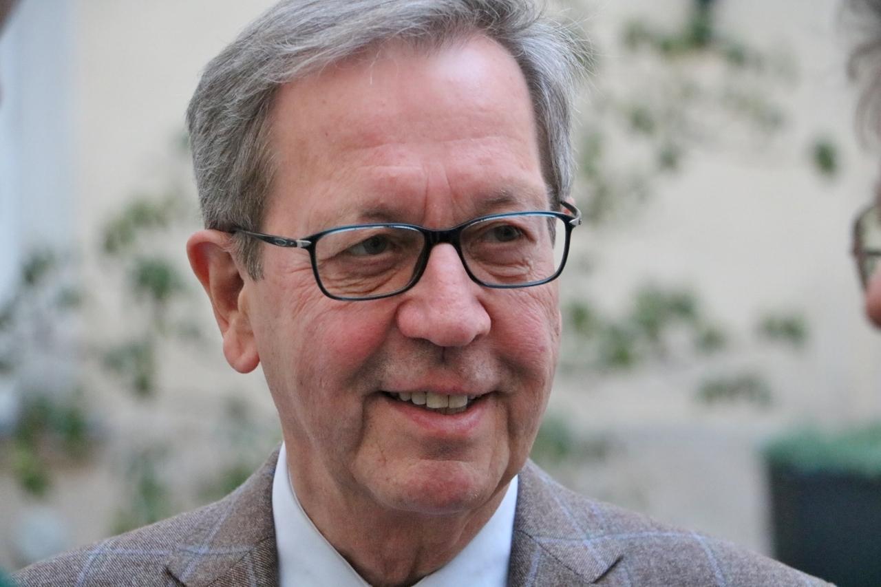 Dr. Alexander Buchsbaum