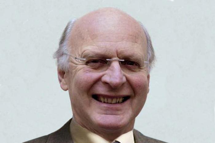 Dr. Hans Watzak